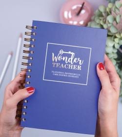 Agenda profesorului care inspira generatii - The Wonder Teacher - cadou pentru profesori - catbox1